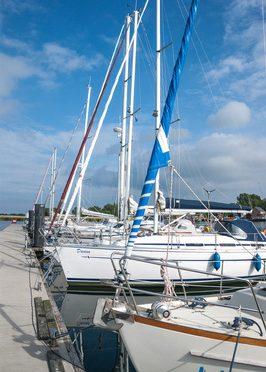 Positionslichter auf Seeschifffahrtsstraßen – deutsches Recht für Navigationslichter auf Sportbooten – BSH-Zulassung zwingend?