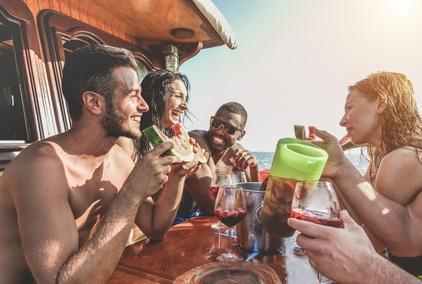 Alkohol an Bord, Oma über Bord – und Haftpflichtversicherung weg
